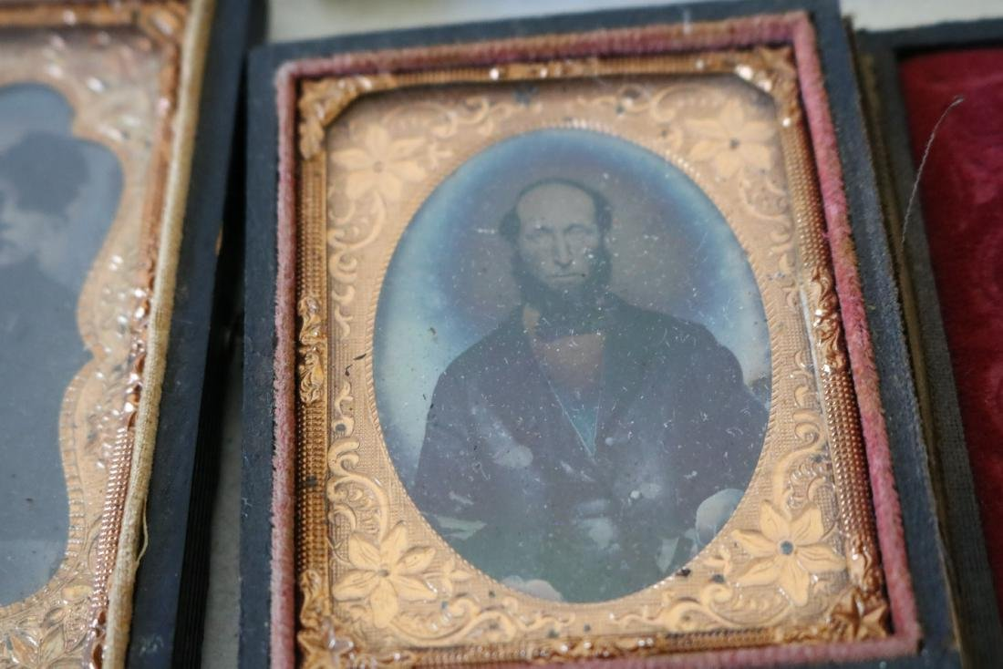 Lot of 8 Daguerreotype Photo's in Cases - 9
