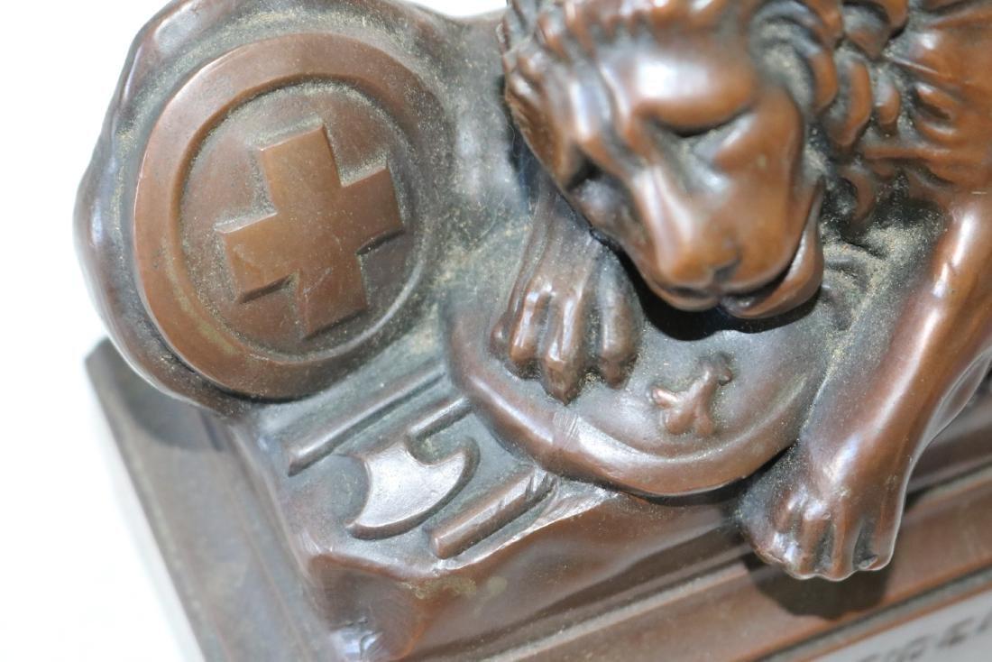 Pair Helvetiorum Fedei AC Virtuti Bronze Lion Bookends - 7