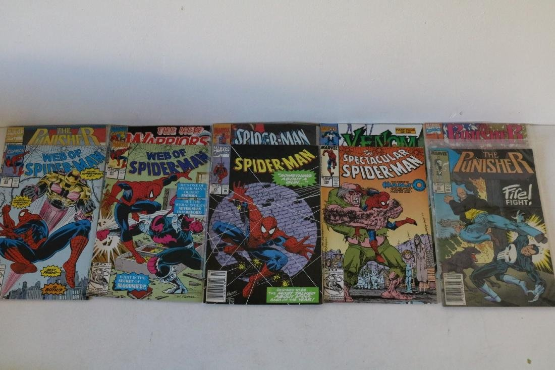 Lot of 50 Marvel Superhero comics - 11