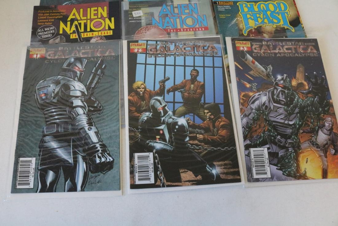 Lot of 14 Television themed comics - 4