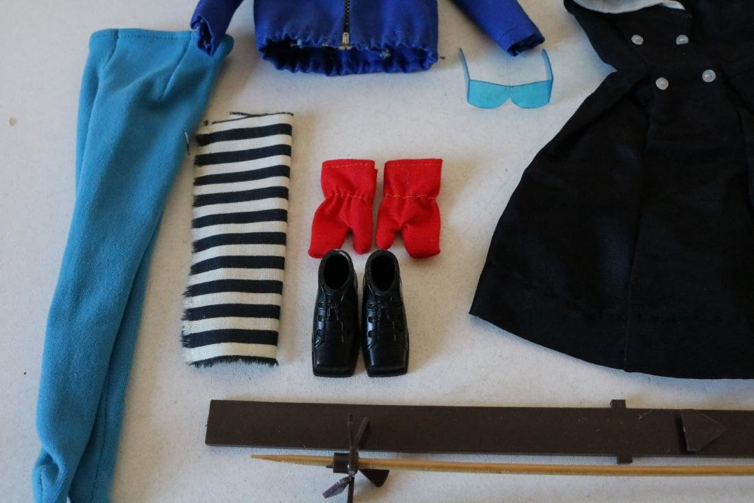 4 Barbie Outfits - 6