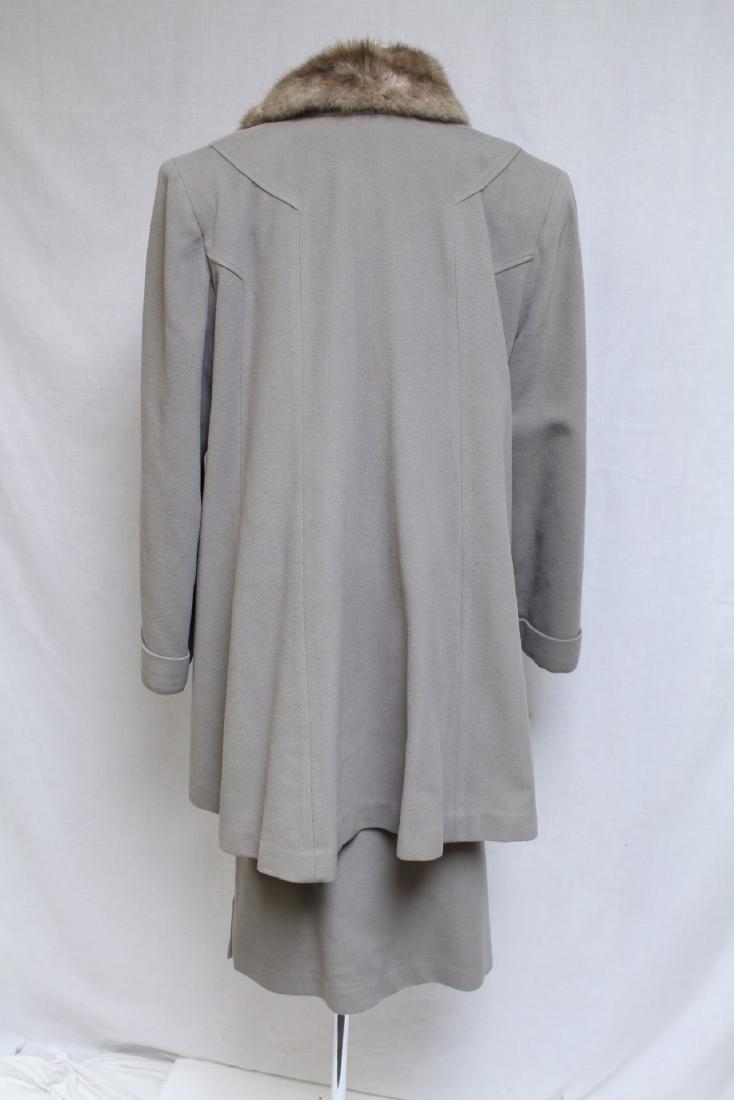Vintage 1940s Beige Cashmere & Fur Skirt Suit - 3