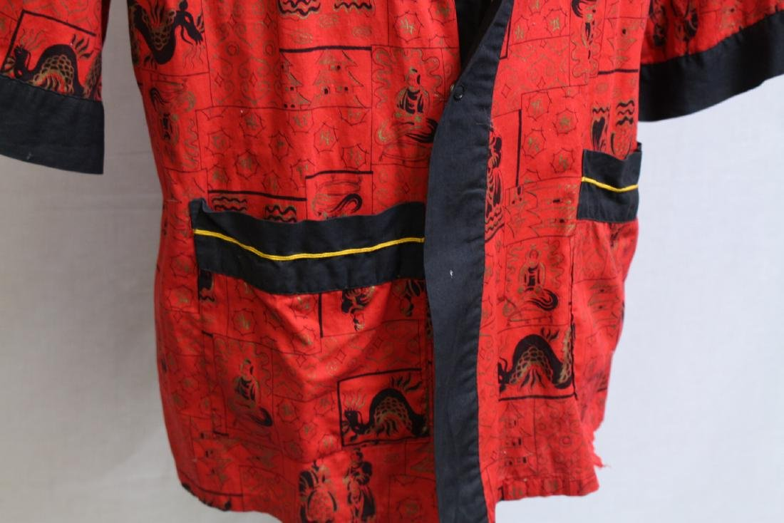 Vintage 1970s Men's Red Asian Dragon Robe - 2