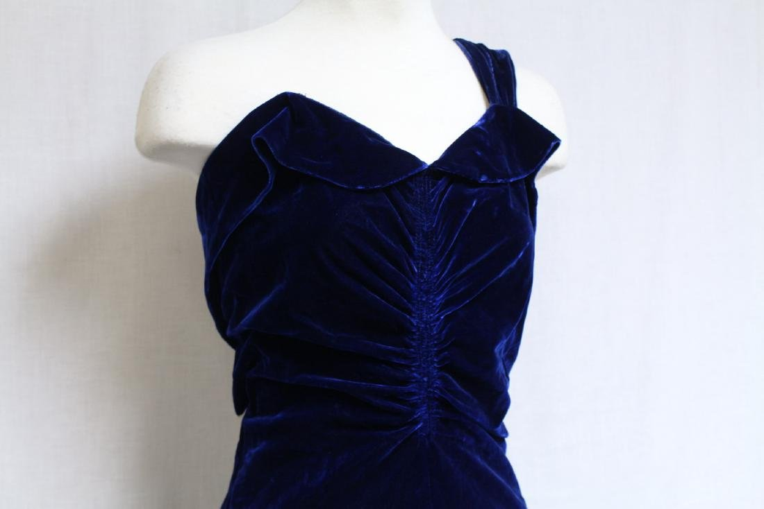 Vintage 1940s Saks Fifth Ave Velvet Gown - 2