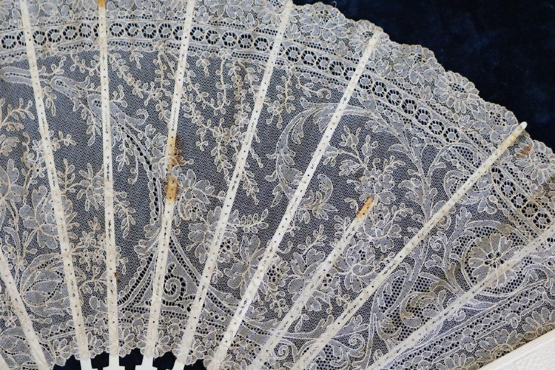 Victorian Lace & Hand Carved Bone Ladies Hand Fan - 4
