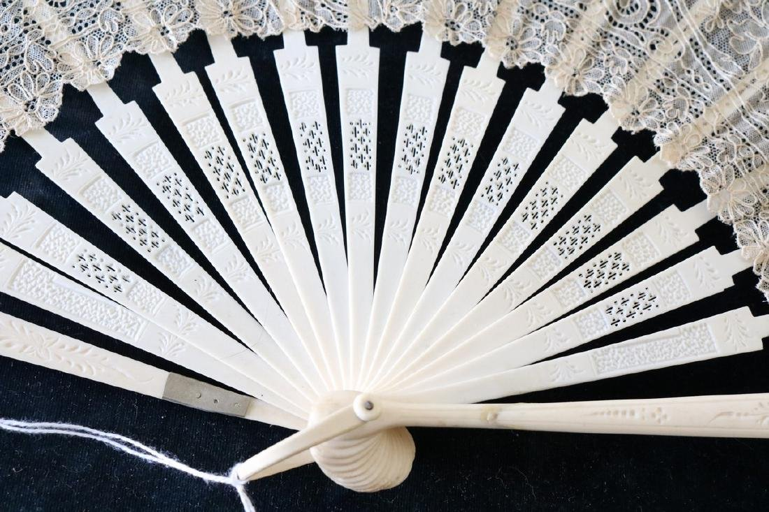 Victorian Lace & Hand Carved Bone Ladies Hand Fan - 5