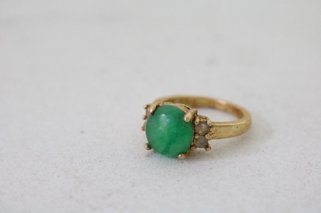 4 Gold and silver Jade Rings - 4