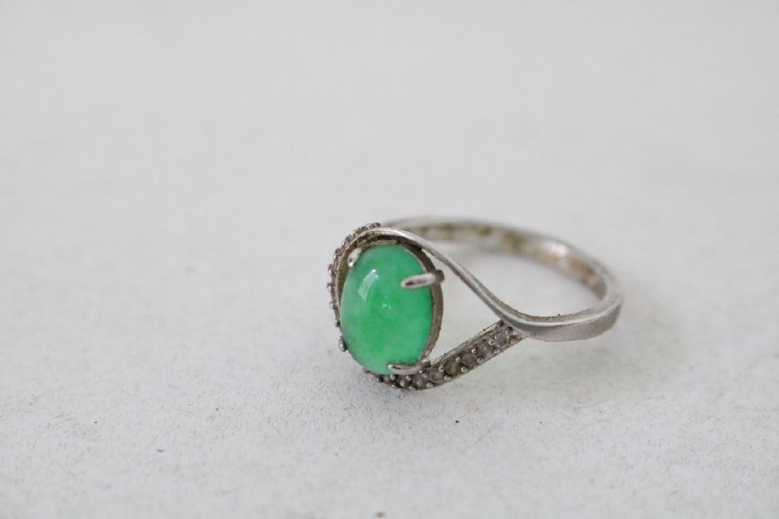 4 Gold and silver Jade Rings - 6