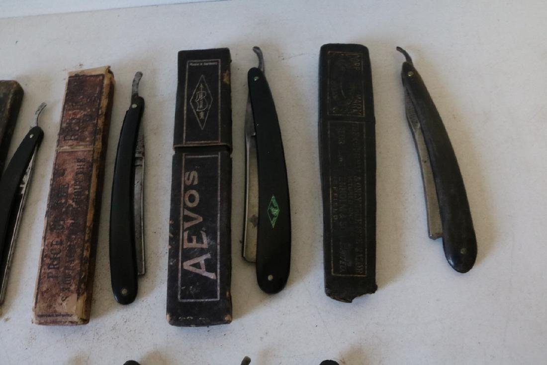 Lot of 16 Antique Straight Edge Razors - 3