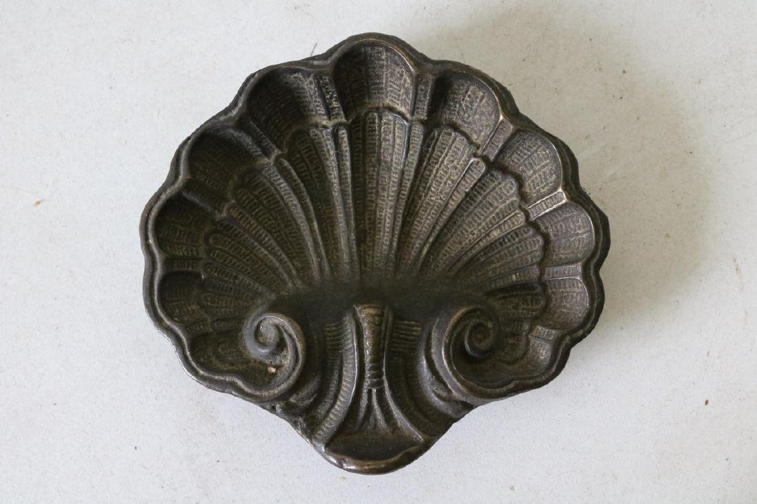 Antique Bronze Shell Card Holder