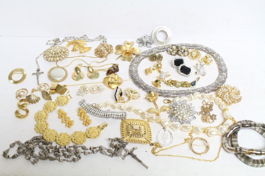 Vintage & Modern Mixed Jewelry Lot, some Trifari