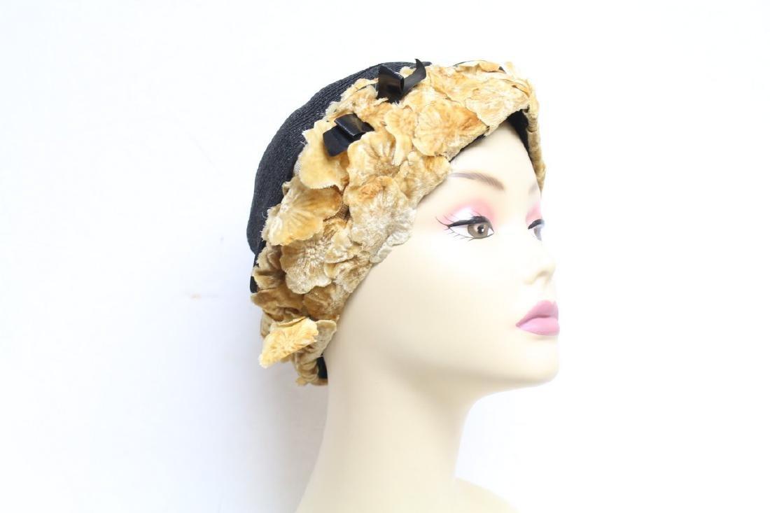 Vintage 1920s Velvet Flower Hat