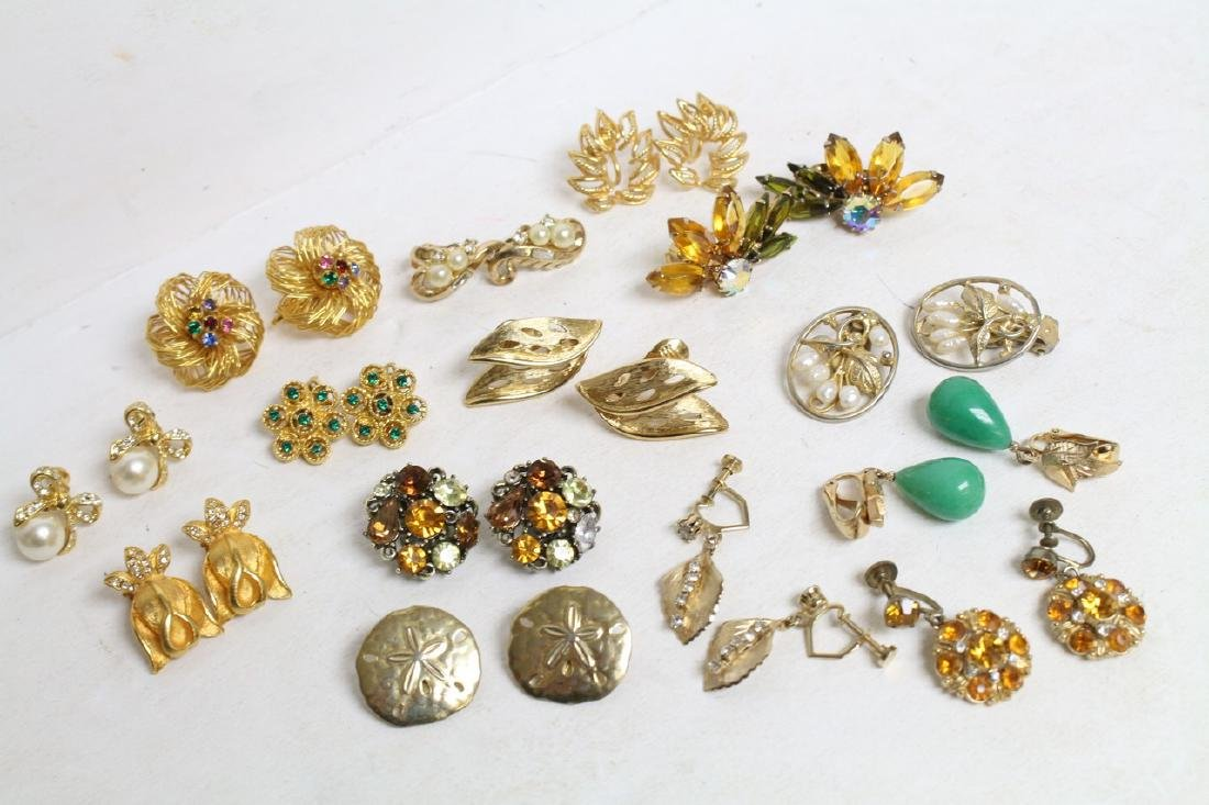 Vintage Gold Earring Lot - Coro, Lisner, Trifari (14)