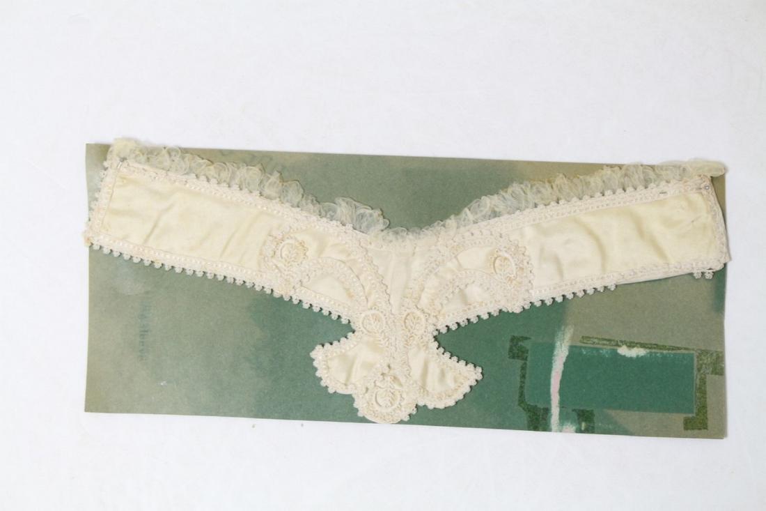 Antique Ivory Fleur di Lis Silk Collar