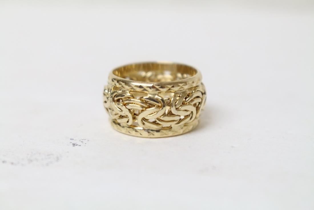 Vintage 10K Gold Byzantine Ring