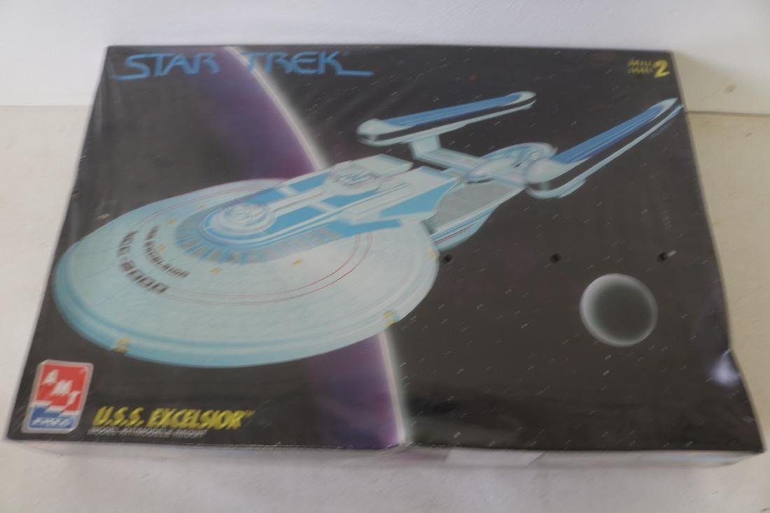 AMT Ertl, Star Trek, U.S.S. Excelsior, scale model