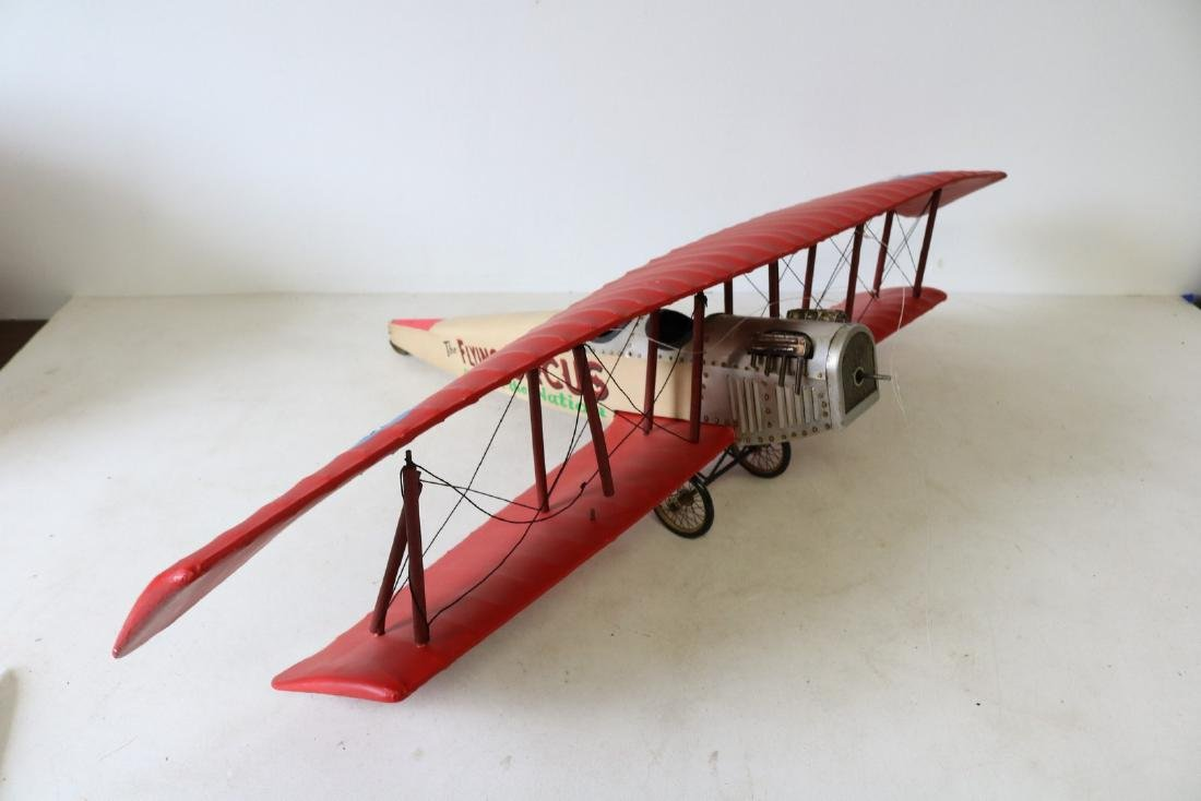 Model bi-plane Flying Circus