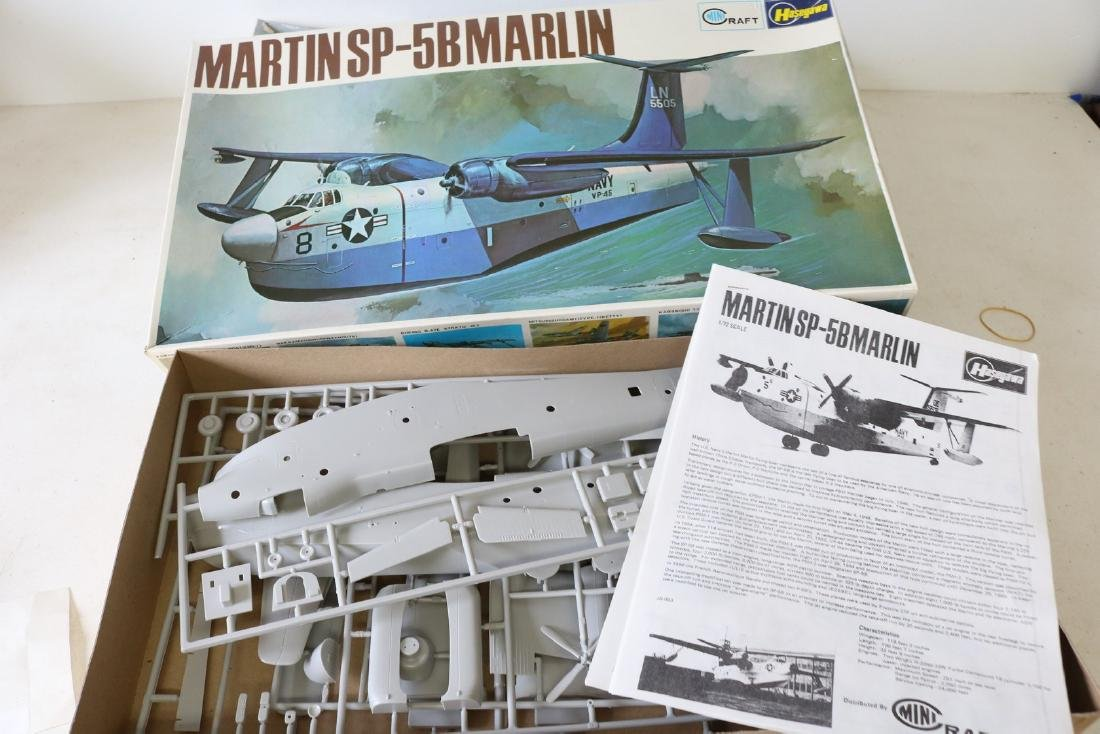 Lot of 2 Model Military Airplanes - 3