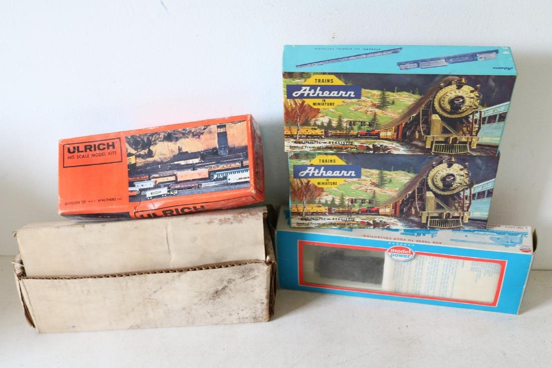 Mixed Lot of 5 H O Trains