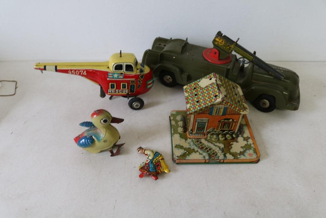 Lot of vintage Tin and Plastic toys