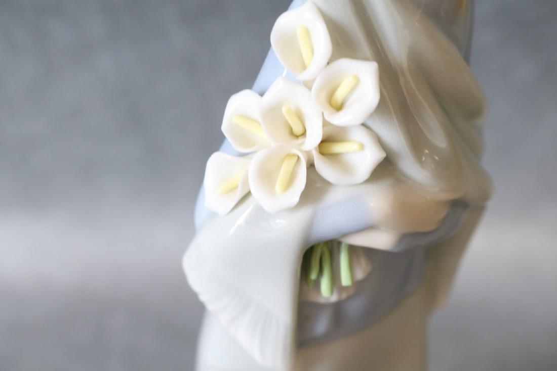 Lladro Figurine, Girl with Lilies - 5