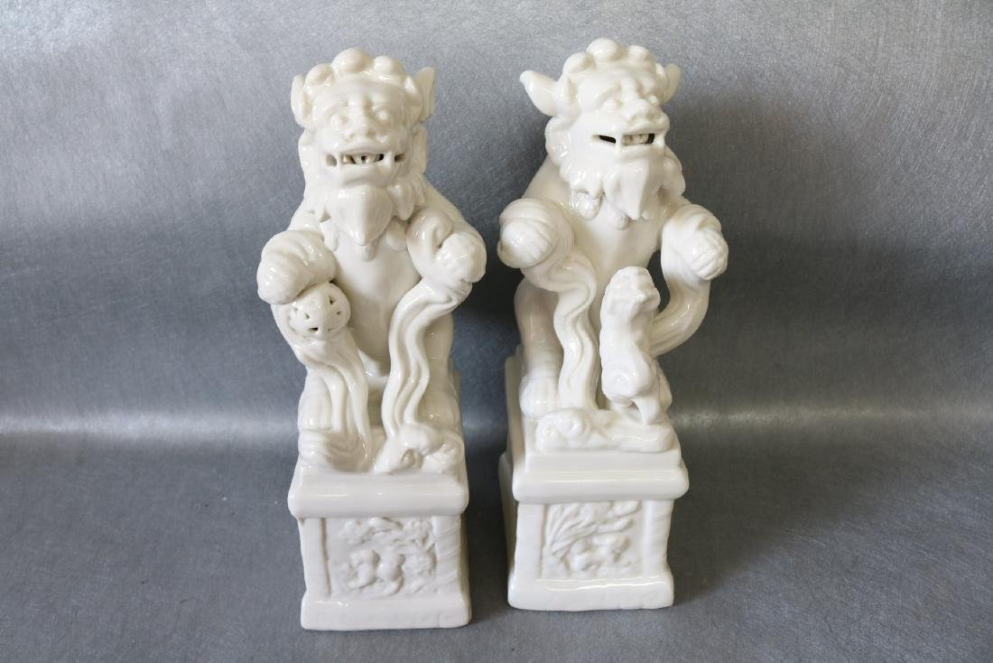 Pair of Vintage White Porcelain Foo Dogs - 5