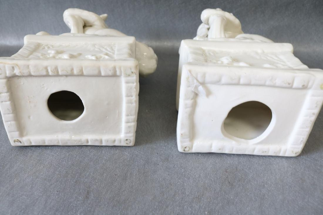 Pair of Vintage White Porcelain Foo Dogs - 7
