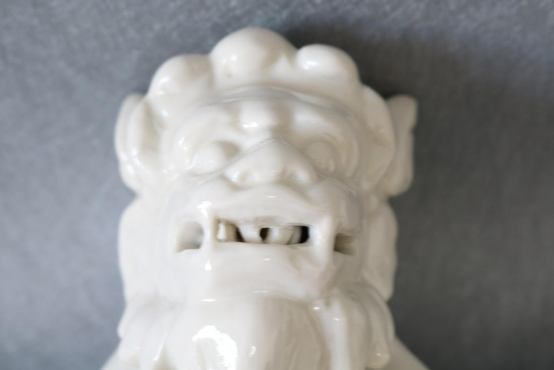Pair of Vintage White Porcelain Foo Dogs - 8