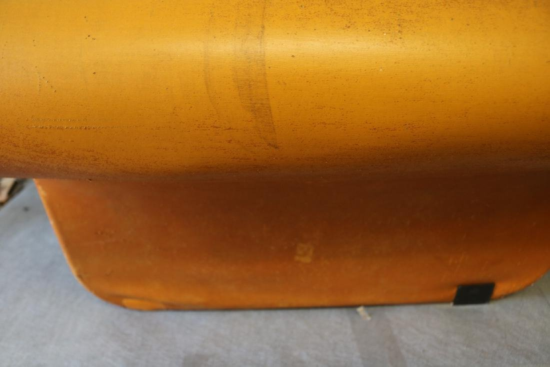 Mid-Century Funky Leather Curved Chair - 6