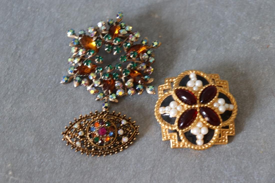 Vintage Lot of 3 Goldtone Brooches