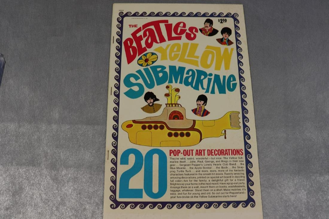 1968 The Beatles Yellow Submarine Pop Out Decoration