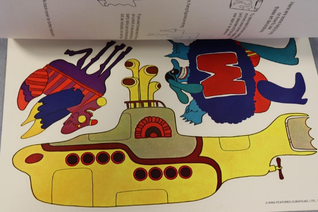 1968 The Beatles Yellow Submarine Pop Out Decoration - 4