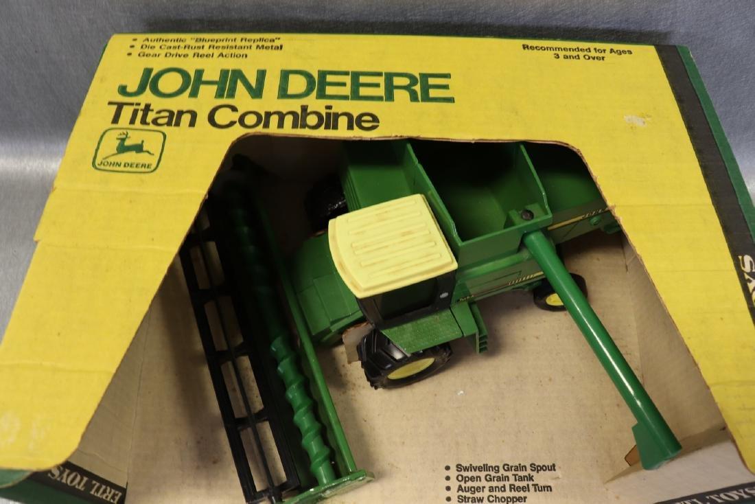 Ertl, John Deere Titan Combine, New in Box - 3