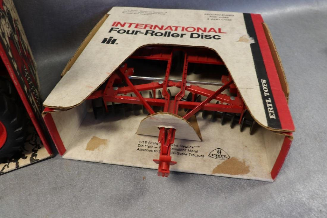 Ertl, International 1586 Tractor with Cab & Four Roller - 2