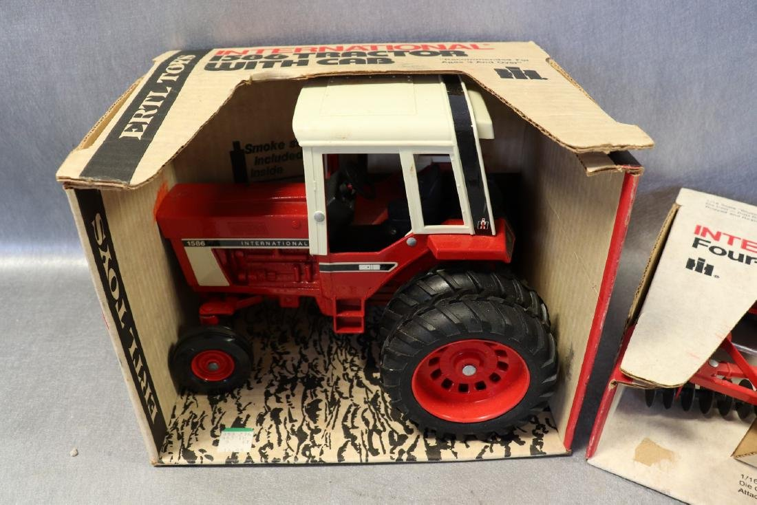 Ertl, International 1586 Tractor with Cab & Four Roller - 3