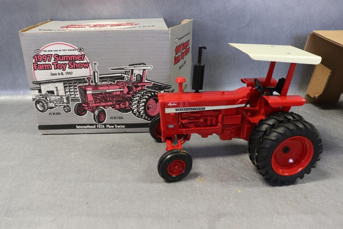 1997 Ertl Collector Edition National 1026 Tractor