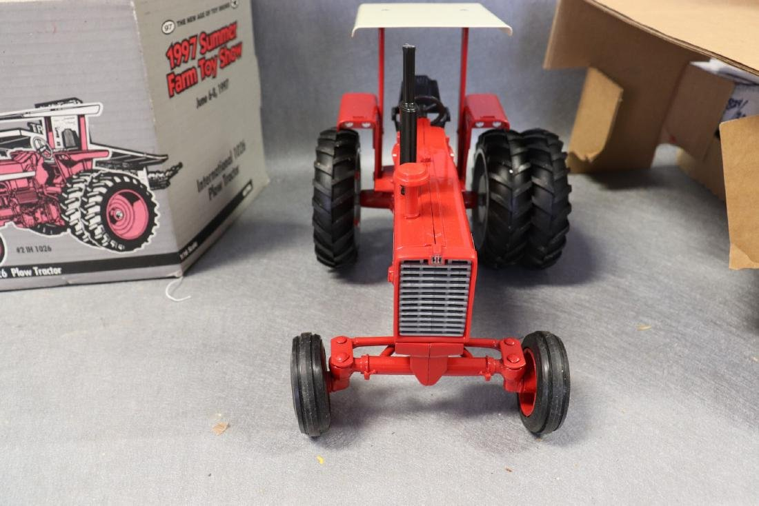 1997 Ertl Collector Edition National 1026 Tractor - 3