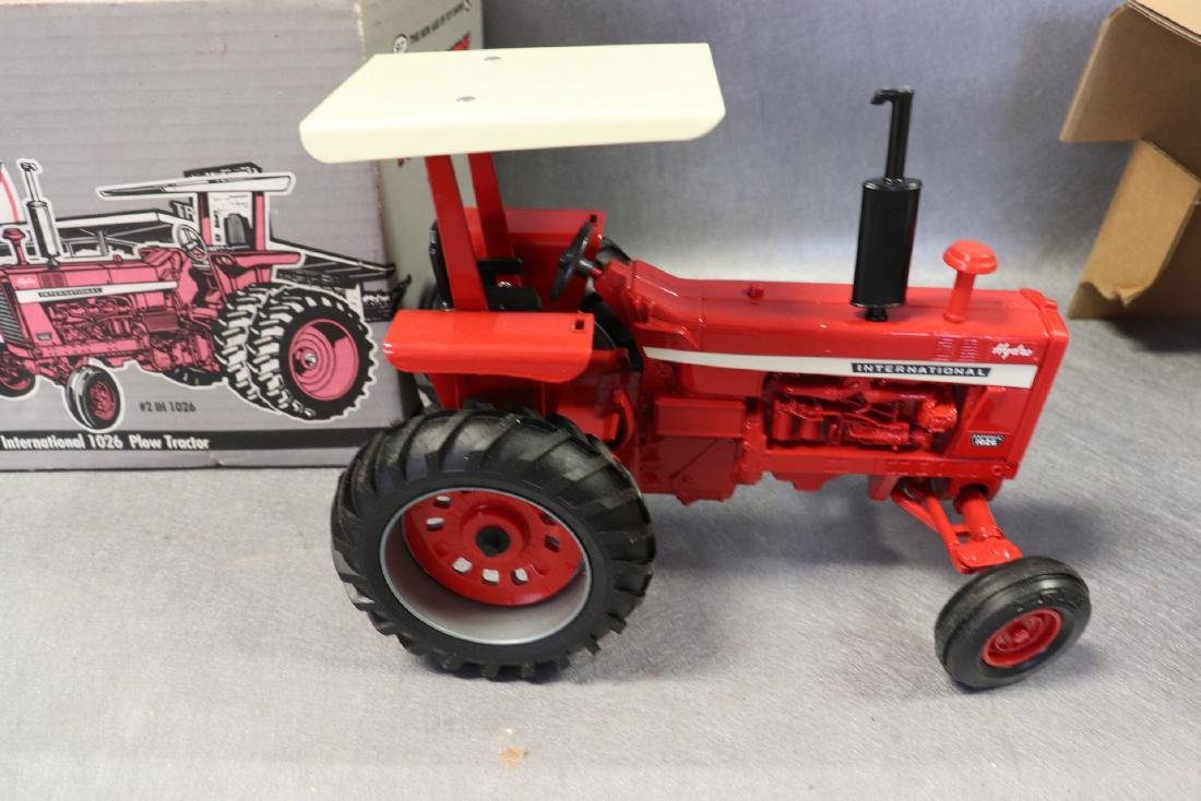 1997 Ertl Collector Edition National 1026 Tractor - 4