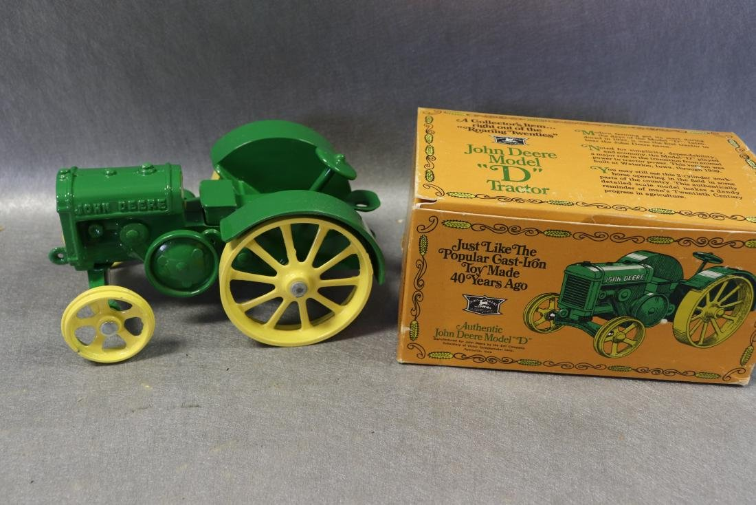 Ertl Authentic john Deere Model D Tractor