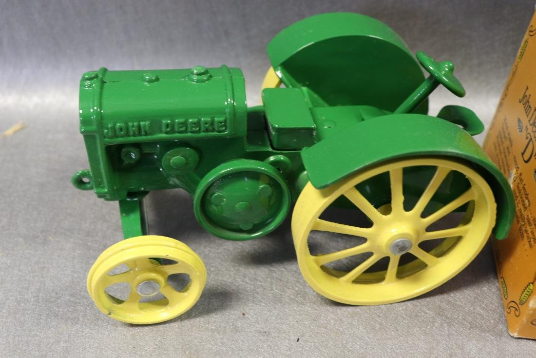Ertl Authentic john Deere Model D Tractor - 2