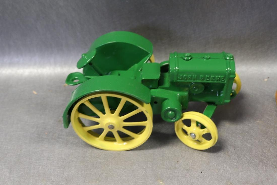 Ertl Authentic john Deere Model D Tractor - 4