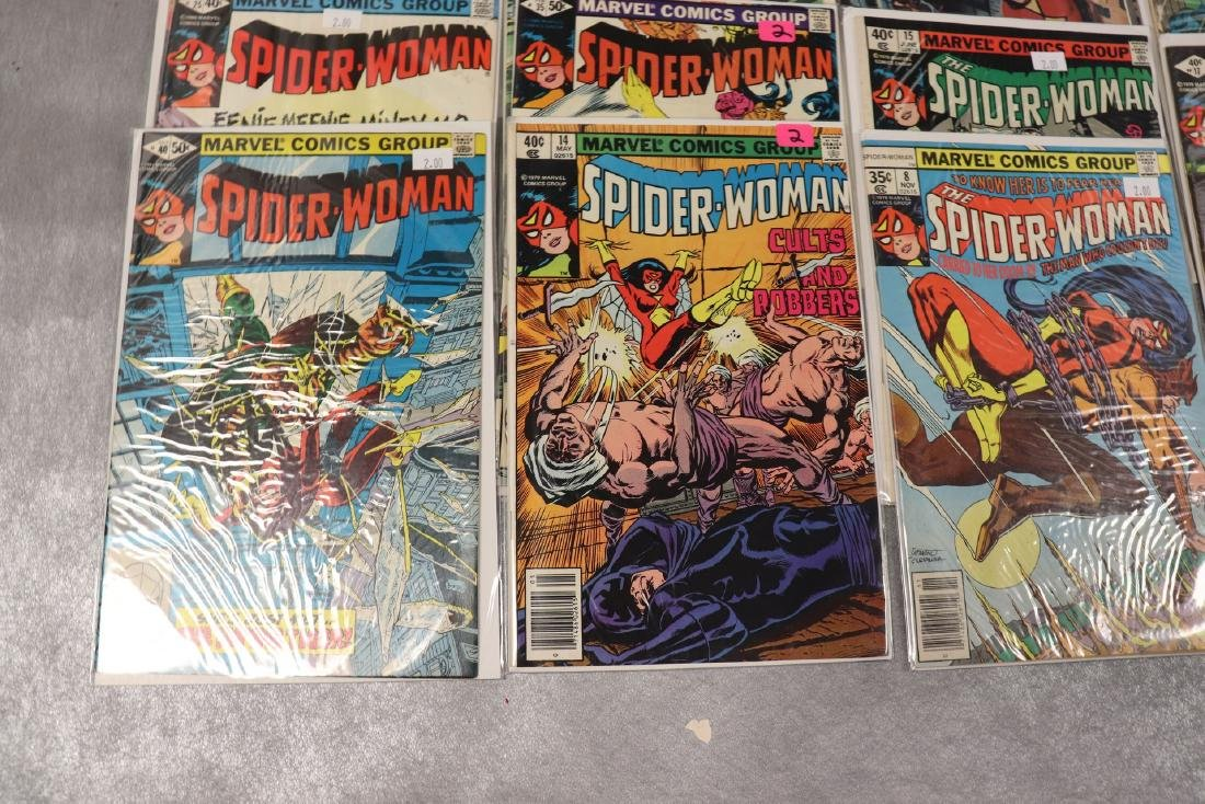 Lot of 22 Marvel The Spider-Woman Comics - 3