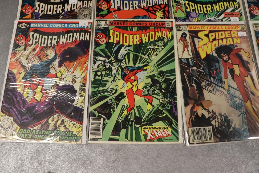 Lot of 22 Marvel The Spider-Woman Comics - 5