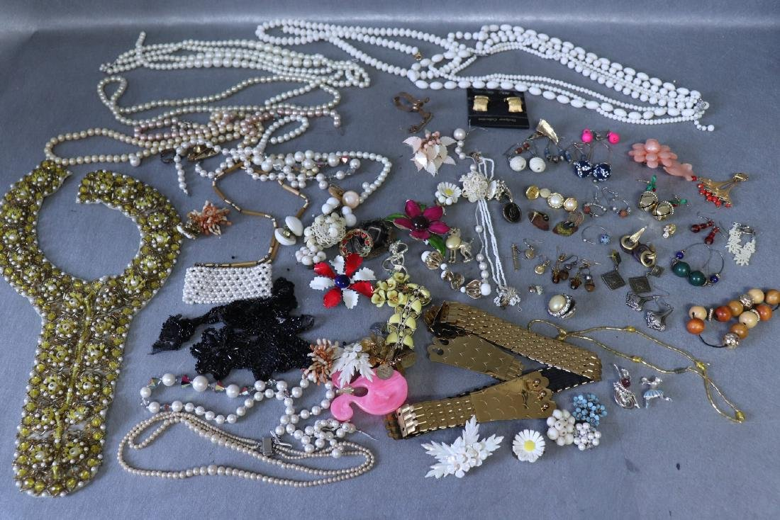 Large Lot Costume Jewelry, Earrings, Faux Pearls, Pins,