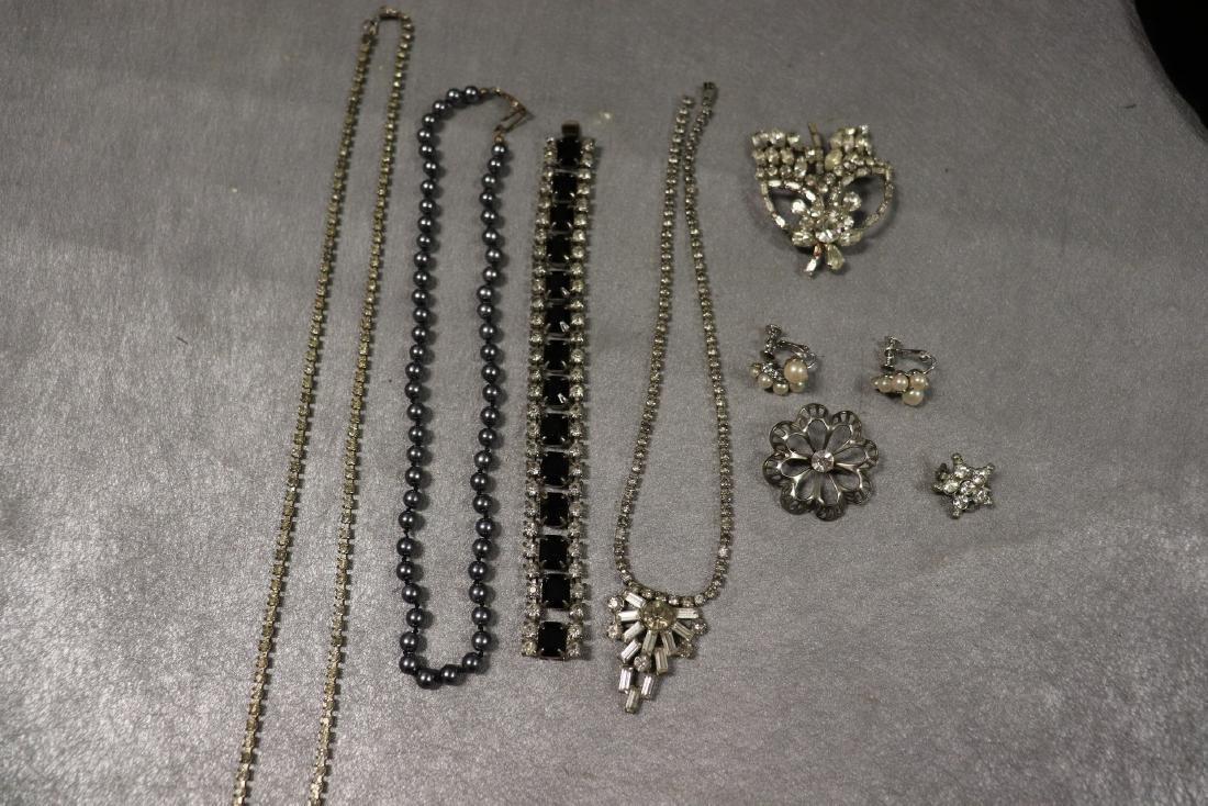 Vintage Jewelry Lot Rhinestone Pins & Necklaces