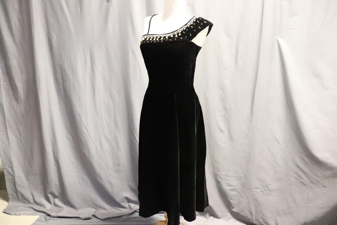 1950's Black Velvet & Beaded Evening Dress - 4