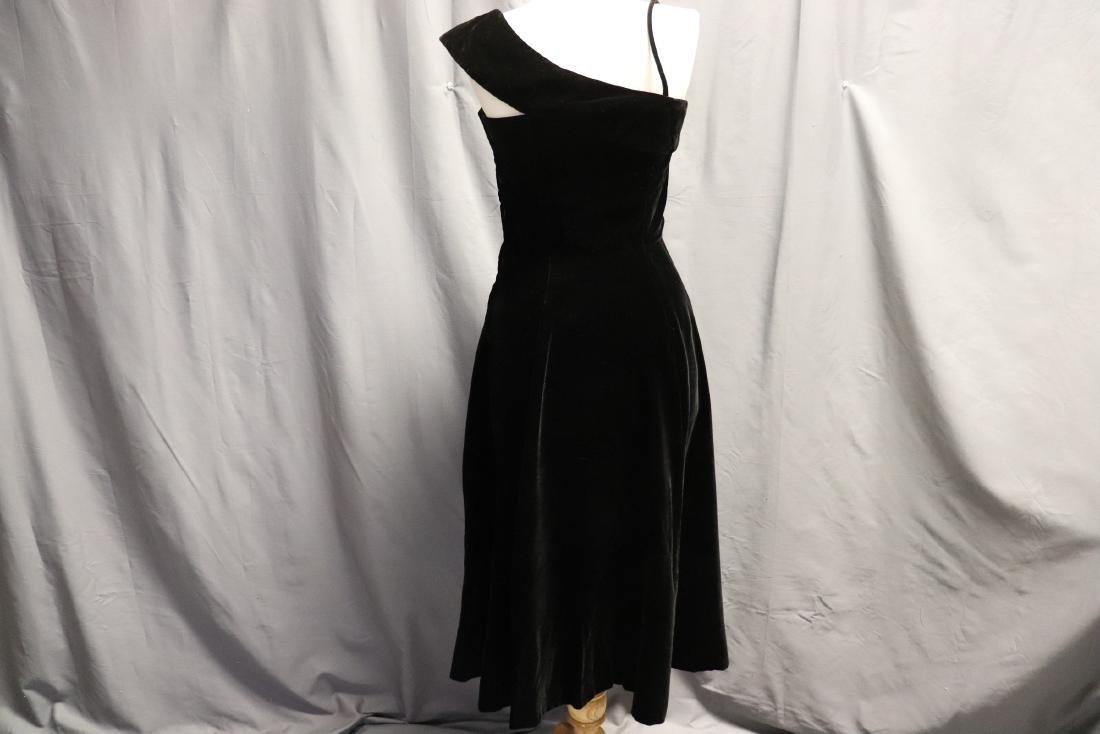 1950's Black Velvet & Beaded Evening Dress - 6