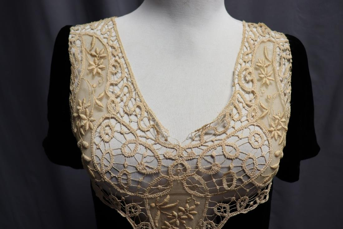 1930's Velvet & Lace Dress Top - 3