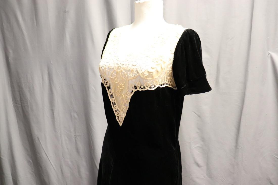 1930's Velvet & Lace Dress Top - 4