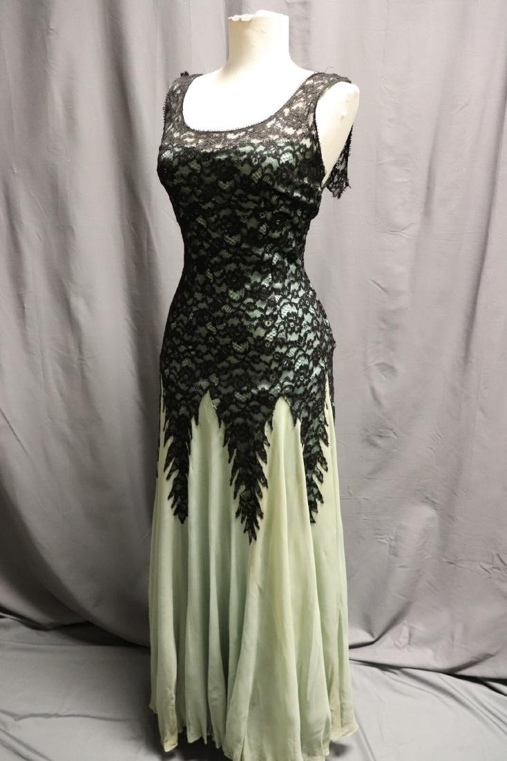 1930's Black Lace & Green Chiffon Gown - 4